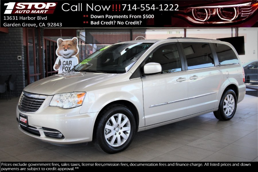 Used 2014 Chrysler Town & Country in Garden Grove, California | 1 Stop Auto Mart Inc.. Garden Grove, California