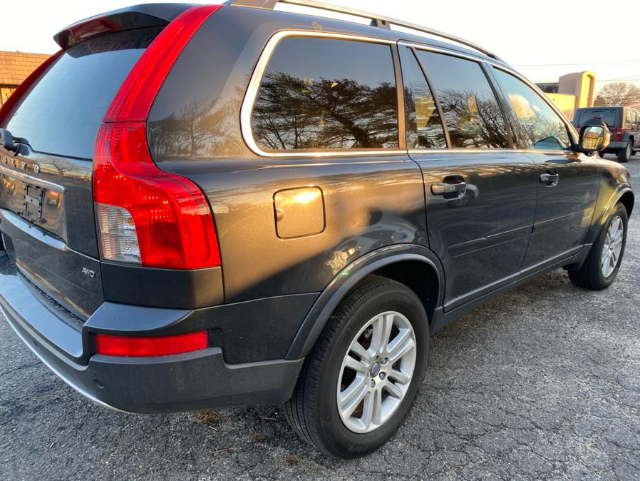 Used 2012 Volvo XC90 in Hicksville, New York | Ultimate Auto Sales. Hicksville, New York