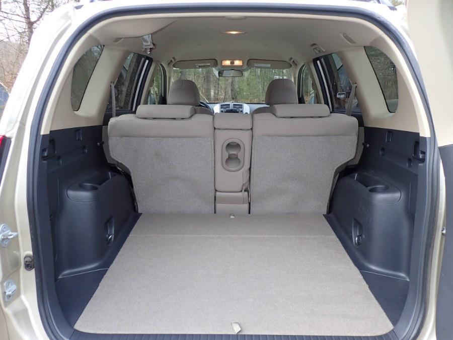 Used Toyota RAV4 2WD 4dr 4-cyl (Natl) 2007 | Eagleville Motors. Storrs, Connecticut