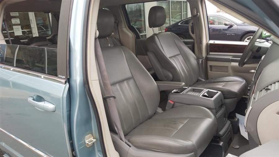 2010 Chrysler Town & Country 4dr Wgn Touring, available for sale in West Haven, CT