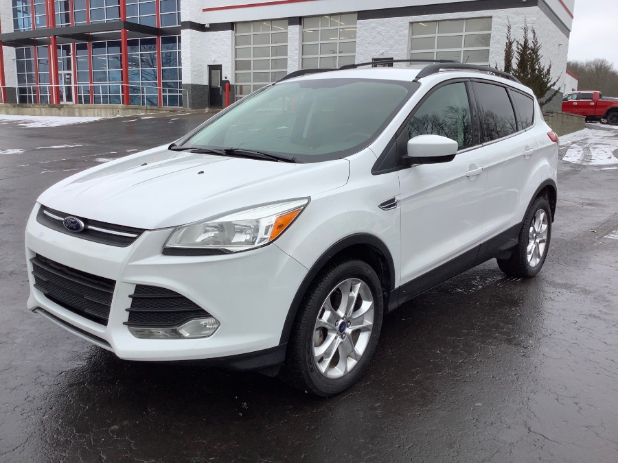 Used Ford Escape FWD 4dr SE 2013 | Marsh Auto Sales LLC. Ortonville, Michigan