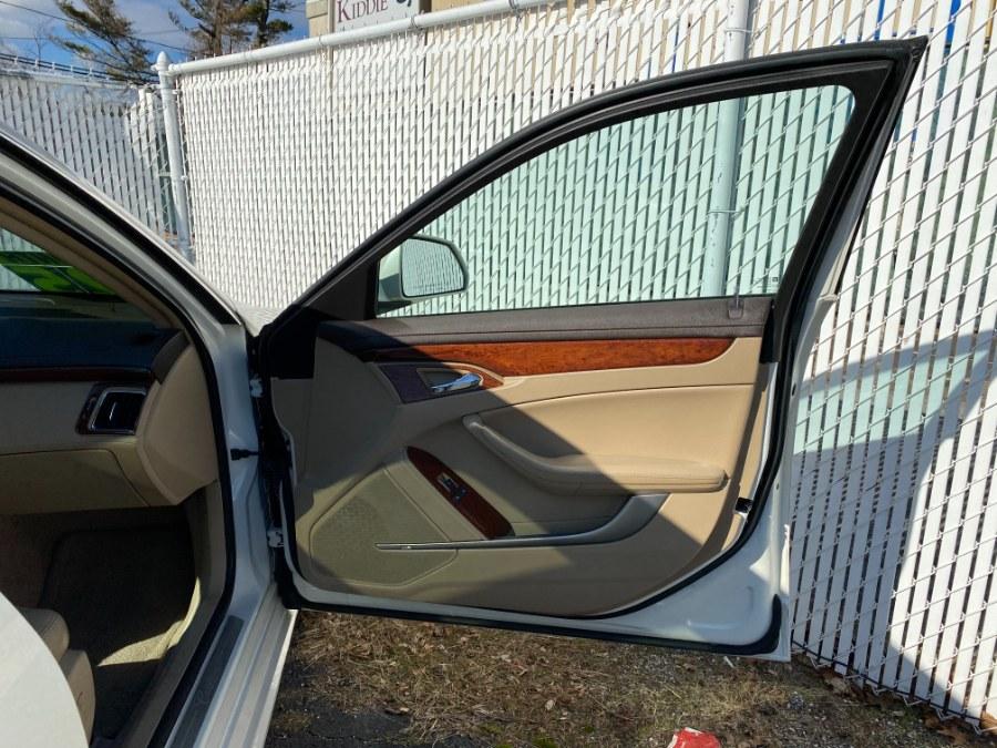 Used Cadillac CTS Sedan 4dr Sdn 3.0L Luxury AWD 2010 | Carmatch NY. Bayshore, New York