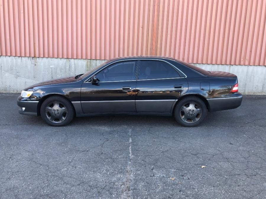 Used Lexus ES 300 4dr Sdn 2001 | Farmington Auto Park LLC. Plainville, Connecticut