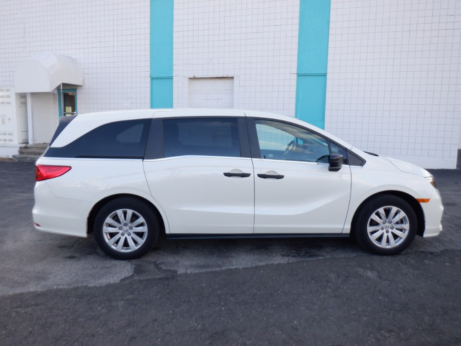 Used 2018 Honda Odyssey in Milford, Connecticut | Dealertown Auto Wholesalers. Milford, Connecticut