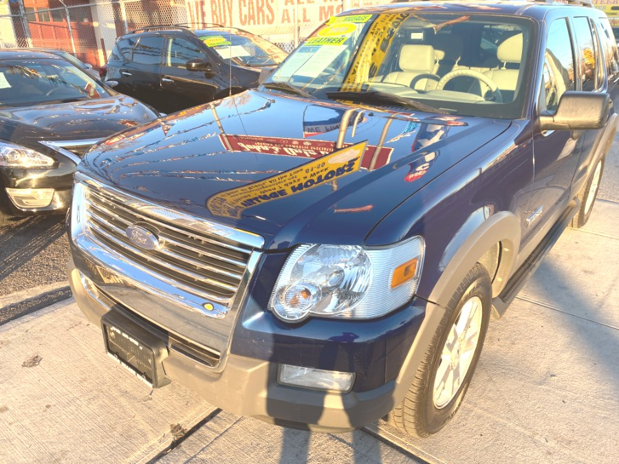 Used 2006 Ford Explorer in Middle Village, New York | Middle Village Motors . Middle Village, New York