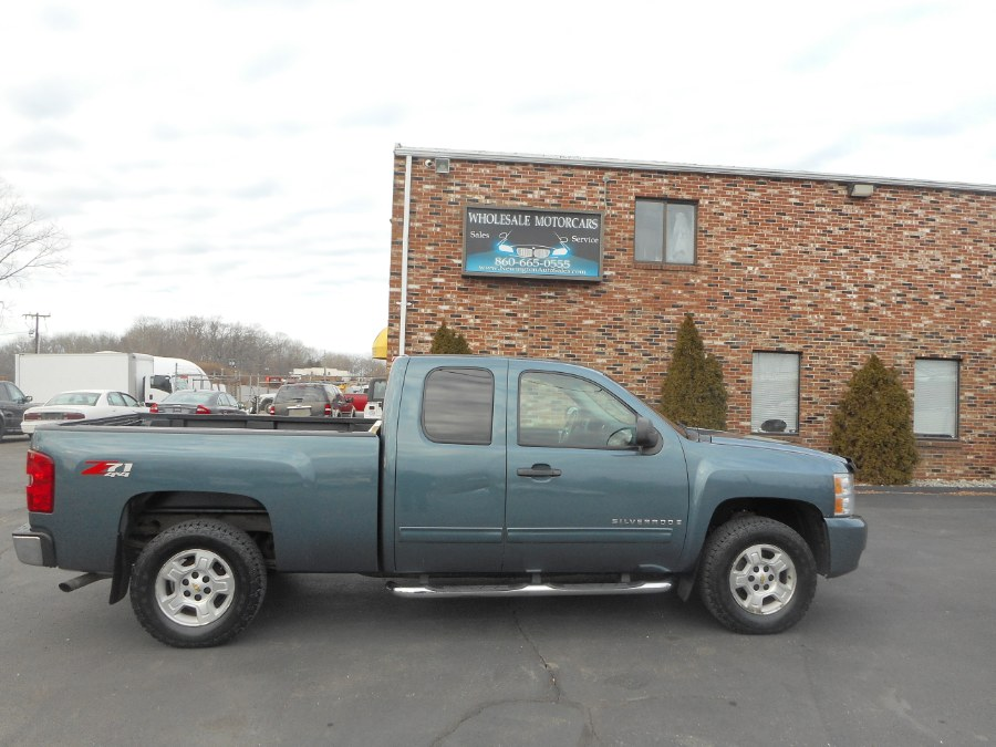 "Used Chevrolet Silverado 1500 4WD Ext Cab 143.5"" LT 2009 