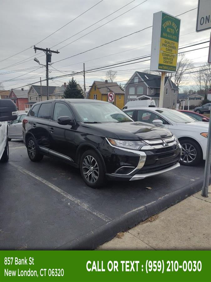 Used Mitsubishi Outlander 4WD 4dr SE 2016 | McAvoy Inc dba Town Hill Auto. New London, Connecticut