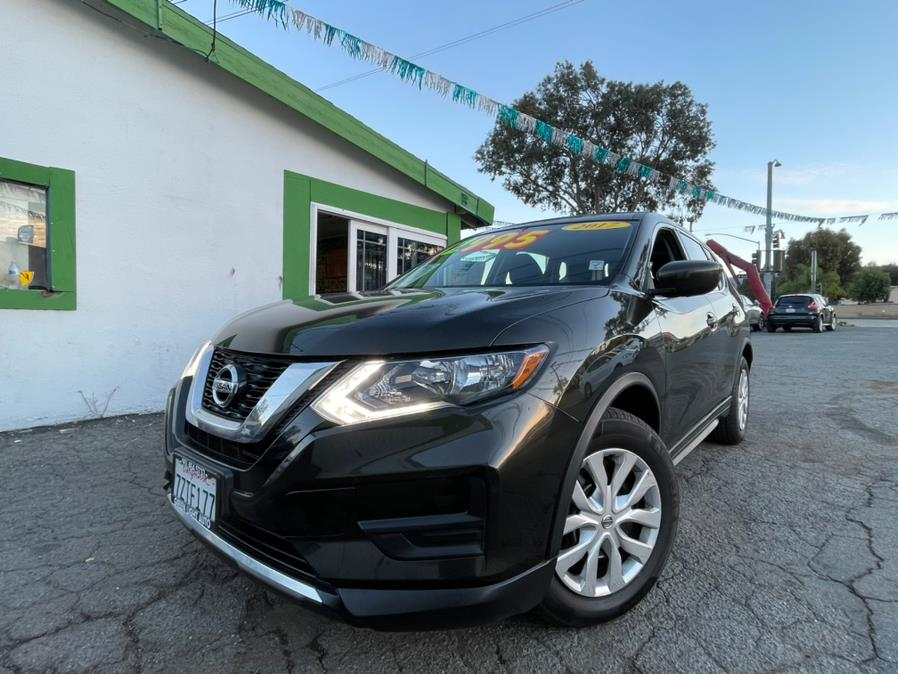 Used 2017 Nissan Rogue in Corona, California | Green Light Auto. Corona, California