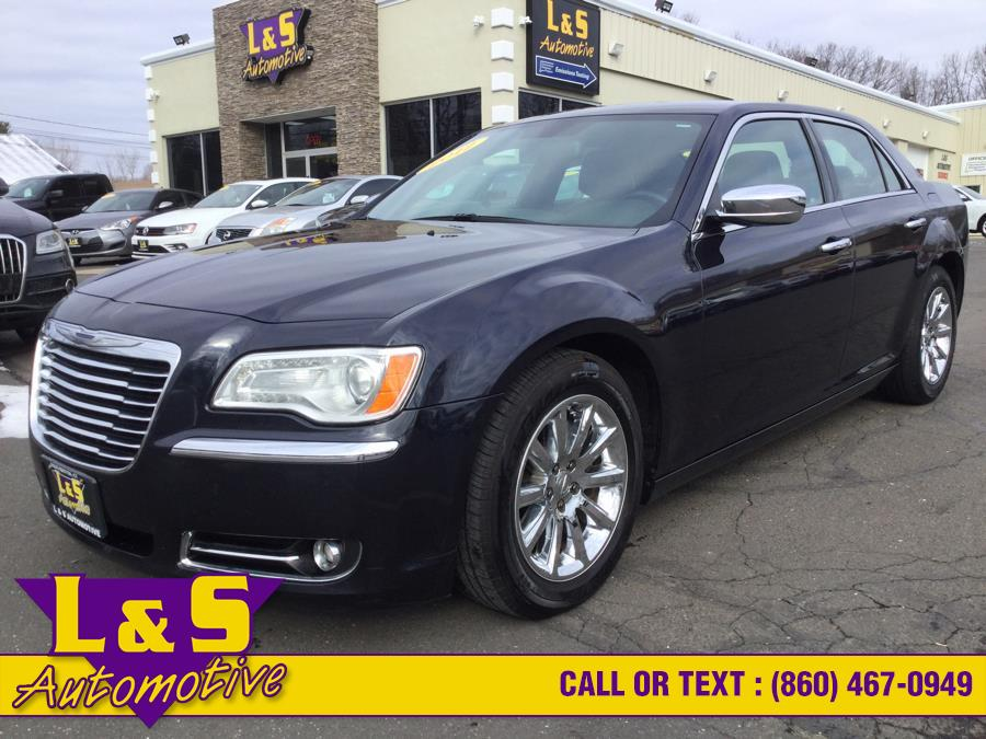 Used 2012 Chrysler 300 in Plantsville, Connecticut | L&S Automotive LLC. Plantsville, Connecticut