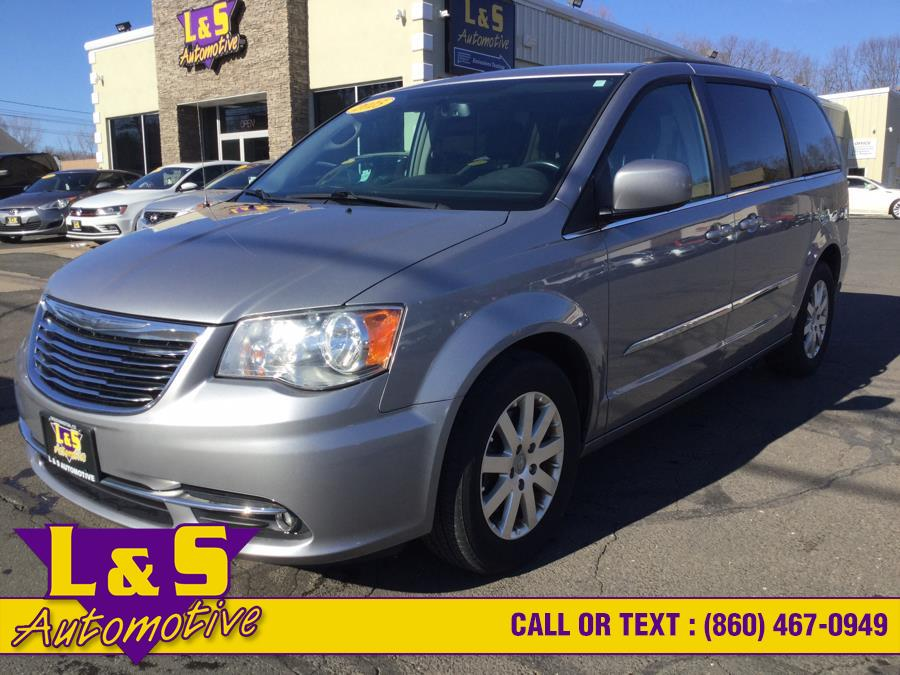 Used Chrysler Town & Country 4dr Wgn Touring 2015 | L&S Automotive LLC. Plantsville, Connecticut