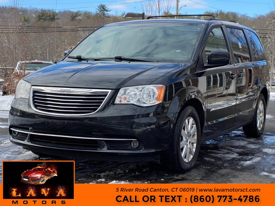Used 2014 Chrysler Town & Country in Canton, Connecticut | Lava Motors. Canton, Connecticut