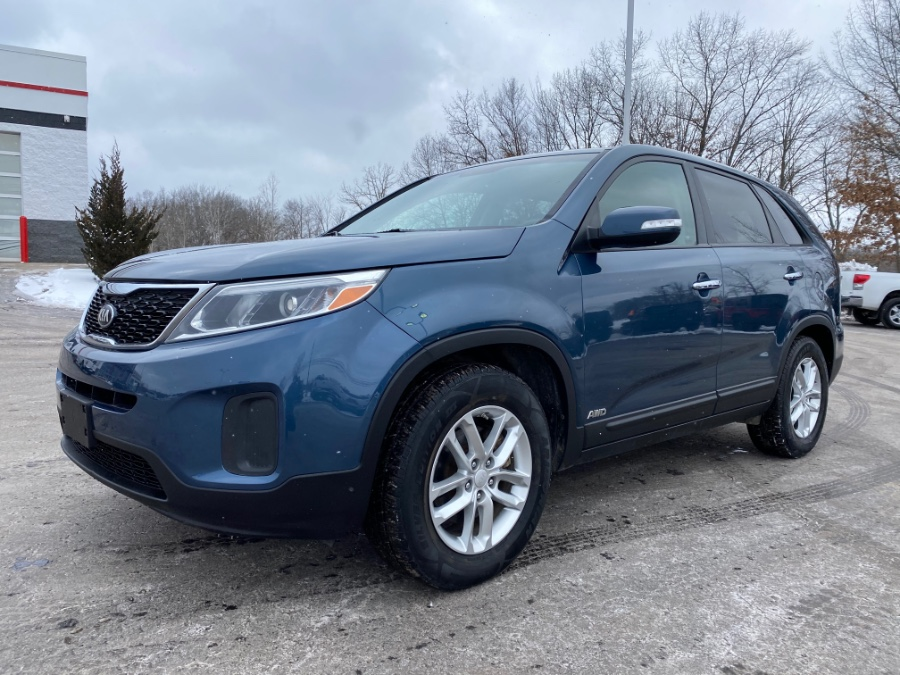 Used 2014 Kia Sorento in Ortonville, Michigan | Marsh Auto Sales LLC. Ortonville, Michigan