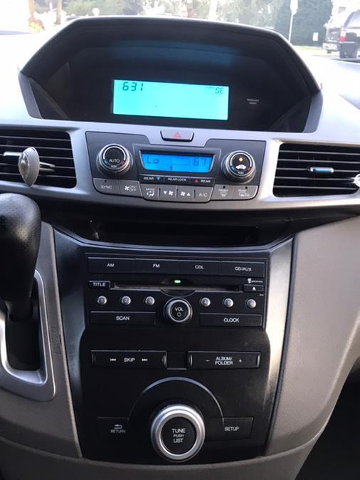 Used Honda Odyssey 5dr EX 2011   CarMart Auto Services. Farmingdale, New York