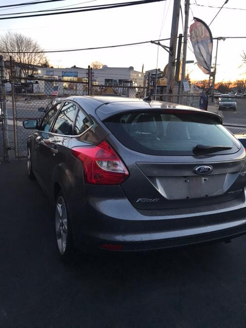 Used Ford Focus 5dr HB Titanium 2013 | CarMart Auto Services. Farmingdale, New York
