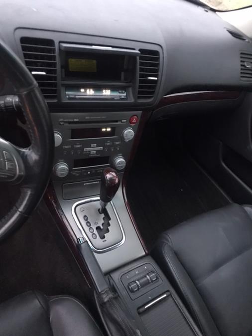 Used Subaru Outback (Natl) 4dr H4 Auto Ltd 2008 | CarMart Auto Services. Farmingdale, New York