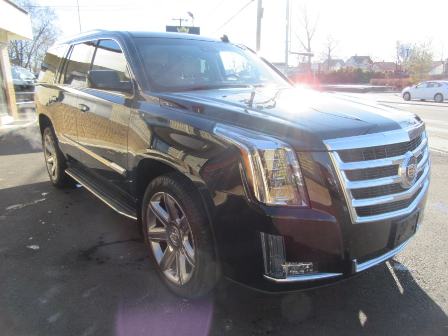 Used Cadillac Escalade 4WD 4dr Luxury 2015   Royalty Auto Sales. Little Ferry, New Jersey