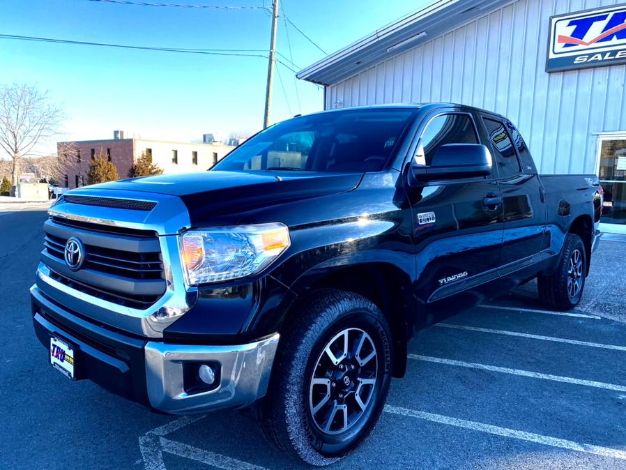 Used 2015 Toyota Tundra 4WD Truck in Berlin, Connecticut | Tru Auto Mall. Berlin, Connecticut