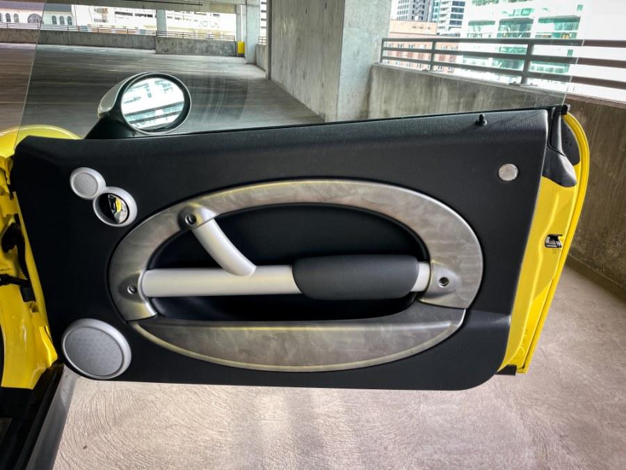 Used MINI Cooper Hardtop 2dr Cpe S 2004 | Guchon Imports. Salt Lake City, Utah