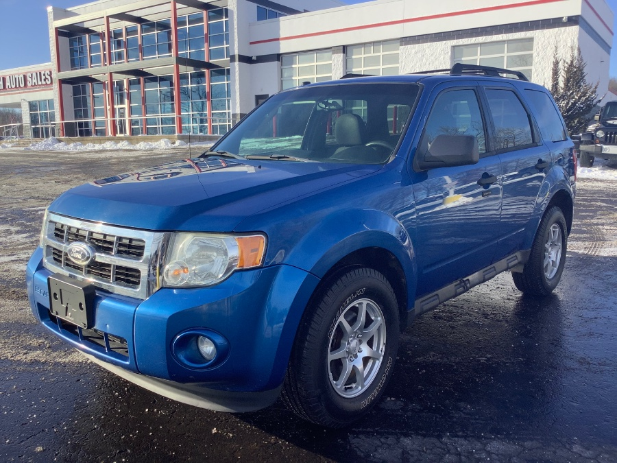 Used Ford Escape FWD 4dr XLT 2011 | Marsh Auto Sales LLC. Ortonville, Michigan