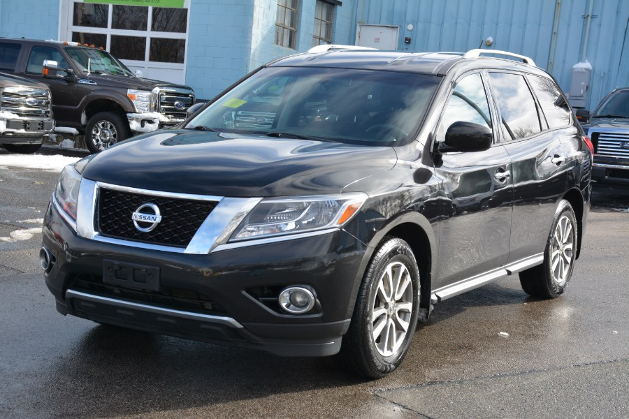 Used 2016 Nissan Pathfinder in Ashland , Massachusetts | New Beginning Auto Service Inc . Ashland , Massachusetts