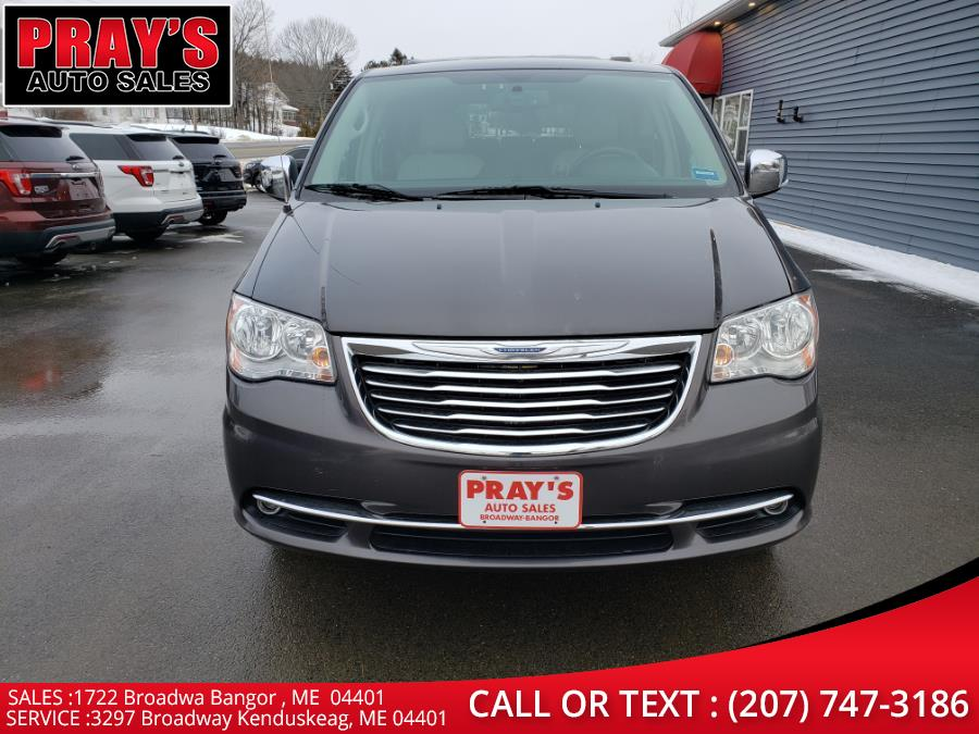 Used 2015 Chrysler Town & Country in Bangor , Maine | Pray's Auto Sales . Bangor , Maine