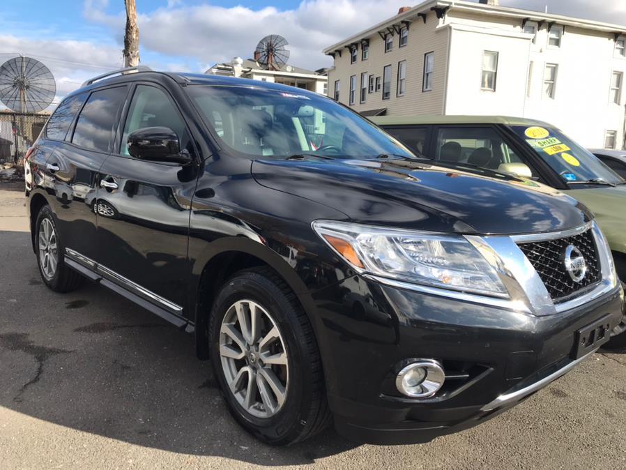 Used Nissan Pathfinder 4WD 4dr SV 2016   Affordable Motors Inc. Bridgeport, Connecticut