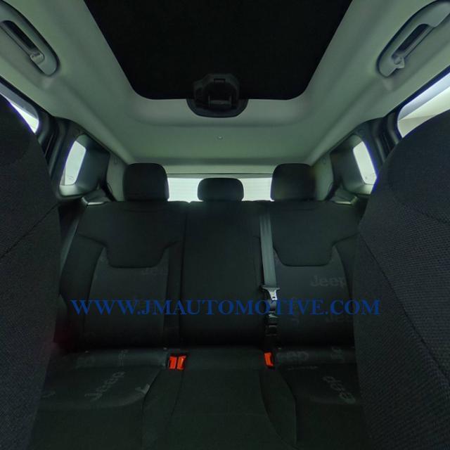 Used Jeep Renegade 4WD 4dr Latitude 2016 | J&M Automotive Sls&Svc LLC. Naugatuck, Connecticut