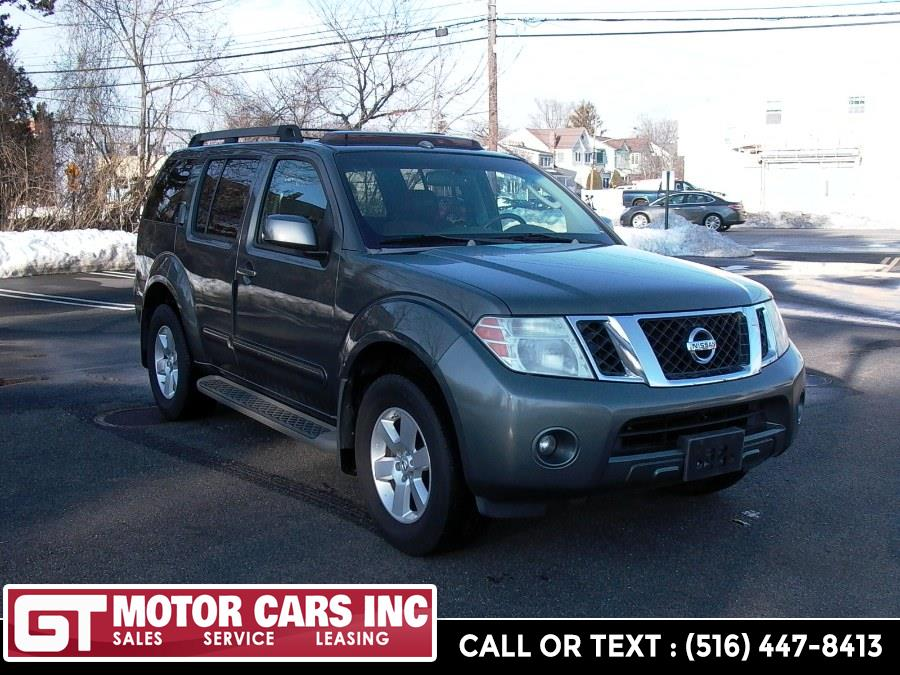 2008 Nissan Pathfinder 4WD 4dr V6 SE, available for sale in Bellmore, NY