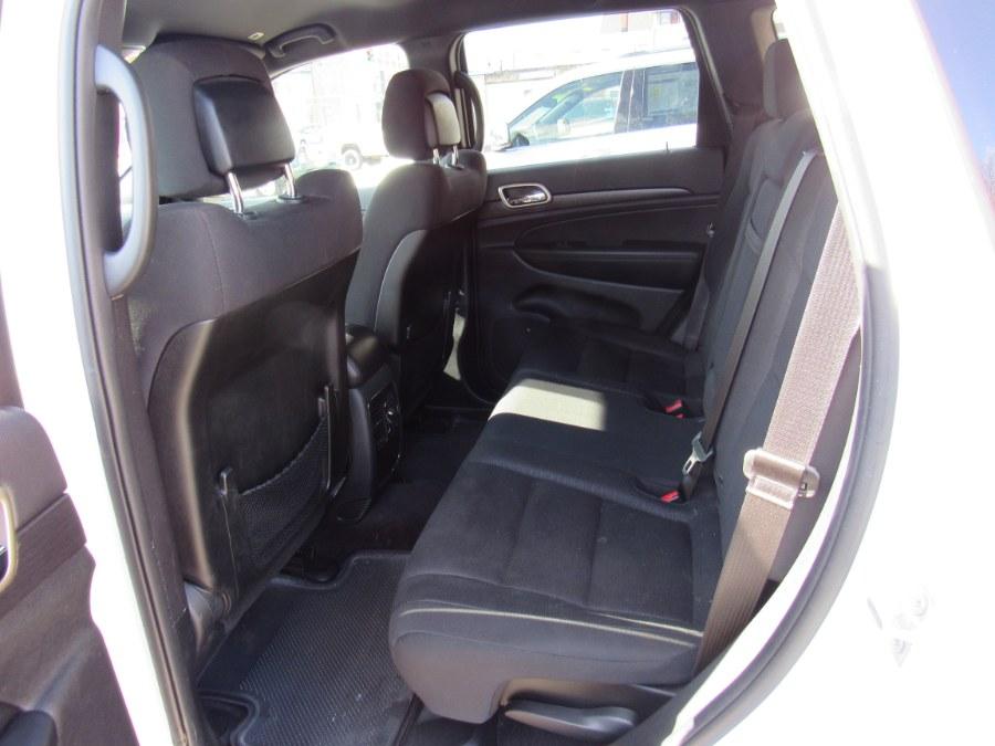 Used Jeep Grand Cherokee Laredo Altitude 2017 | Hilario's Auto Sales Inc.. Worcester, Massachusetts