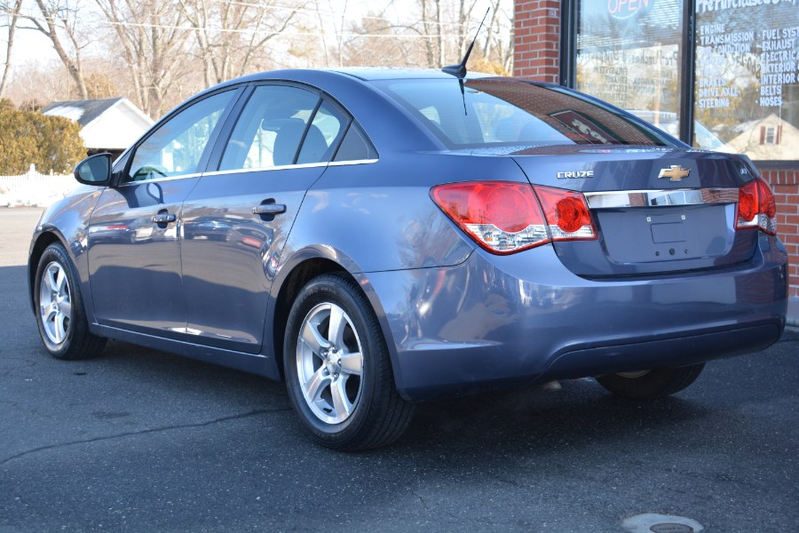 Used Chevrolet Cruze 4dr Sdn Auto 1LT 2014 | Longmeadow Motor Cars. ENFIELD, Connecticut