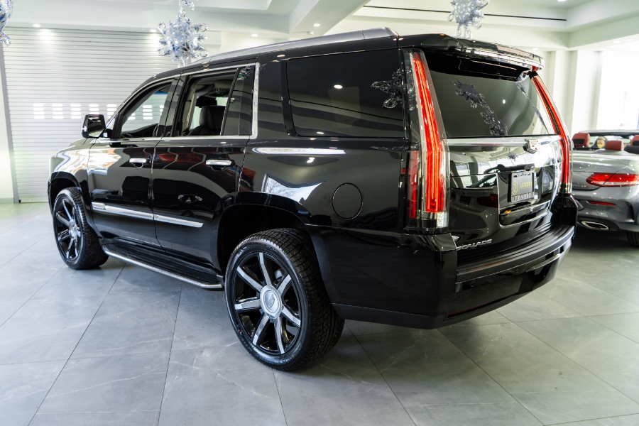 Used Cadillac Escalade 4WD 4dr Luxury Collection 2016 | C Rich Cars. Franklin Square, New York
