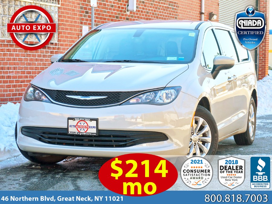 Used 2017 Chrysler Pacifica in Great Neck, New York | Auto Expo Ent Inc.. Great Neck, New York