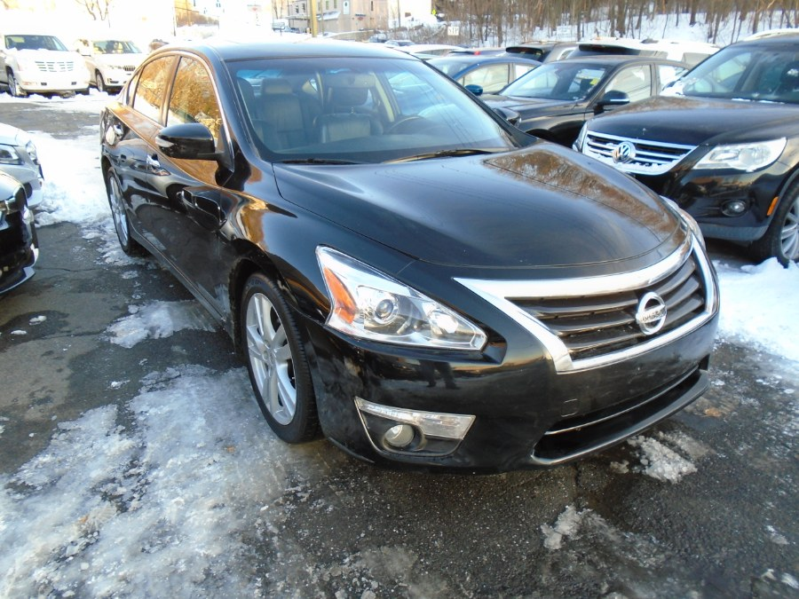 Used 2014 Nissan Altima in Waterbury, Connecticut | Jim Juliani Motors. Waterbury, Connecticut