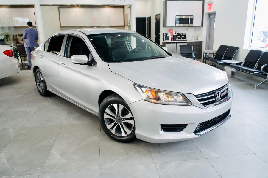 Used Honda Accord Sedan 4dr I4 CVT LX 2014 | Luxury Motor Club. Franklin Square, New York