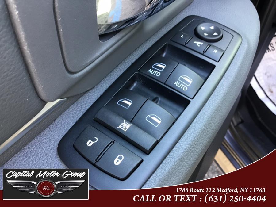 "Used Ram 1500 4WD Crew Cab 140.5"" Big Horn 2016 | Capital Motor Group Inc. Medford, New York"