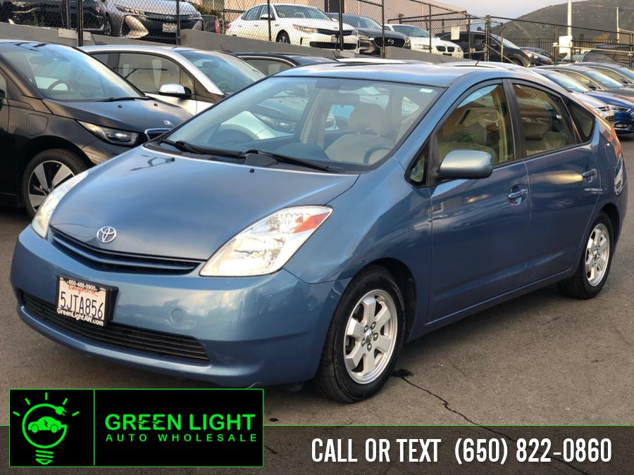 Used 2004 Toyota Prius in Daly City, California | Green Light Auto Wholesale. Daly City, California
