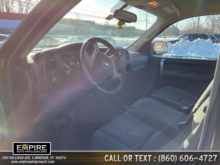 "Used Chevrolet Silverado 1500 4WD Reg Cab 133.0"" LT 2009 | Empire Auto Wholesalers. S.Windsor, Connecticut"