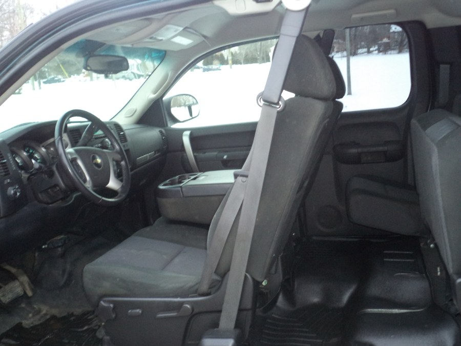 "Used Chevrolet Silverado 1500 4WD Ext Cab 143.5"" LT 2010 | International Motorcars llc. Berlin, Connecticut"