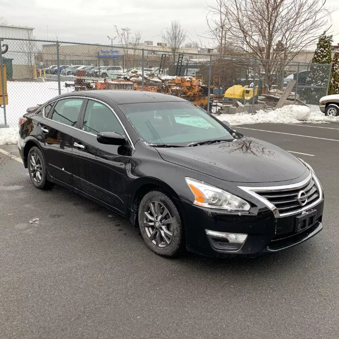 Used 2015 Nissan Altima in Naugatuck, Connecticut | Riverside Motorcars, LLC. Naugatuck, Connecticut