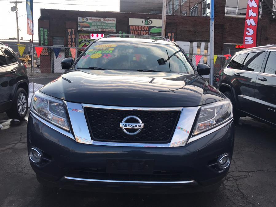 Used Nissan Pathfinder Platinum 2016   Affordable Motors Inc. Bridgeport, Connecticut