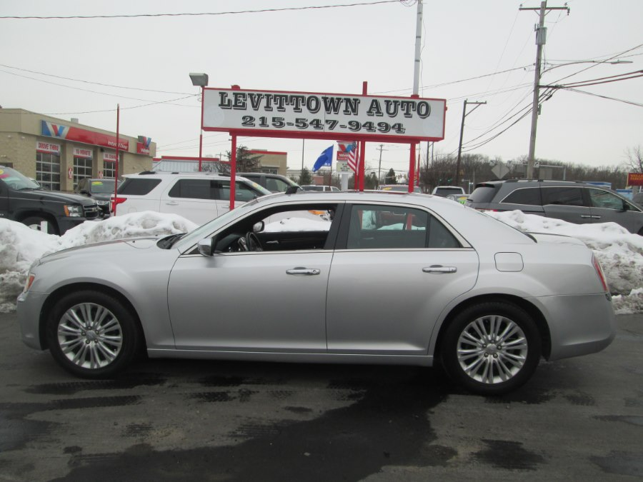 Used Chrysler 300 4dr Sdn V6 Limited AWD 2012   Levittown Auto. Levittown, Pennsylvania