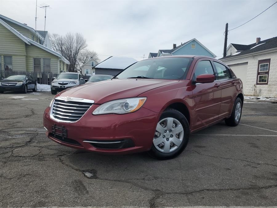 Used 2012 Chrysler 200 in Springfield, Massachusetts | Absolute Motors Inc. Springfield, Massachusetts