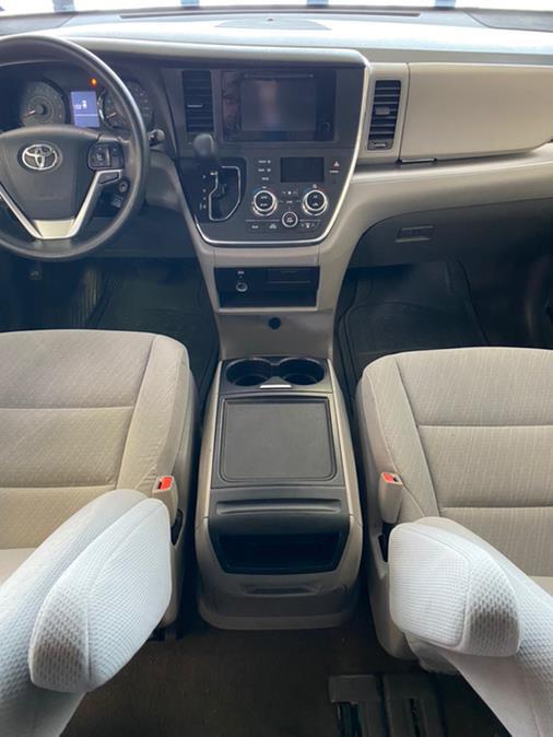 Used Toyota Sienna LE Auto Access Seat FWD 7-Passenger (Natl) 2017   Autovanta. Massapequa Park, New York