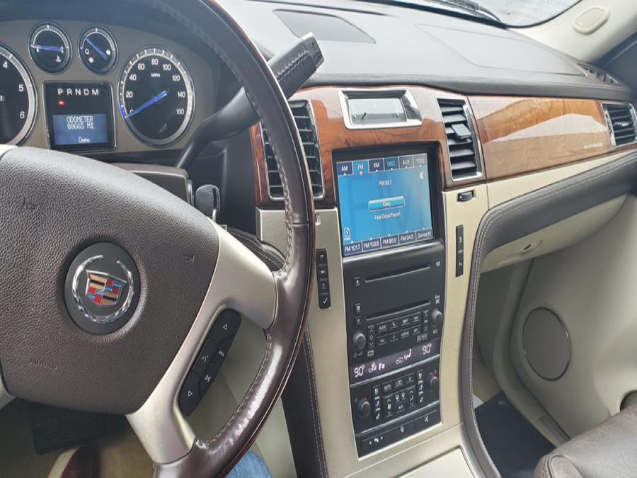 Used Cadillac Escalade ESV AWD 4dr 2008 | Capital Lease and Finance. Brockton, Massachusetts