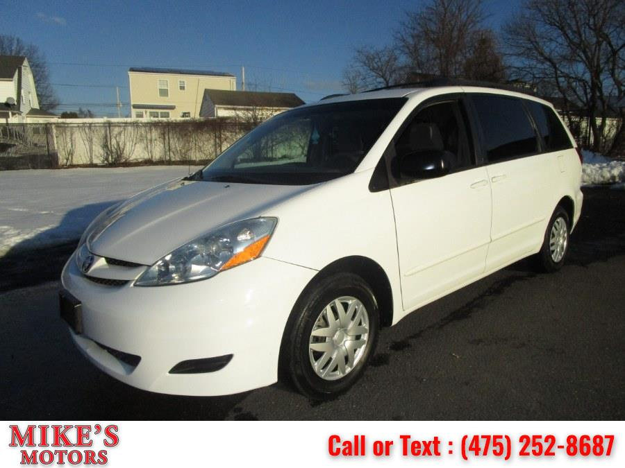 Used 2010 Toyota Sienna in Stratford, Connecticut | Mike's Motors LLC. Stratford, Connecticut