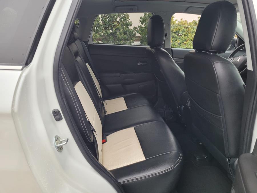 Used Mitsubishi Outlander Sport AWD 4dr CVT SE 2014 | Capital Lease and Finance. Brockton, Massachusetts
