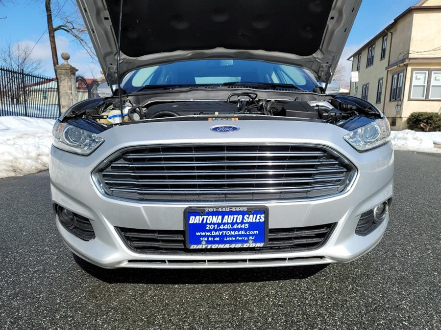 Used Ford Fusion 4dr Sdn SE FWD 2016 | Daytona Auto Sales. Little Ferry, New Jersey