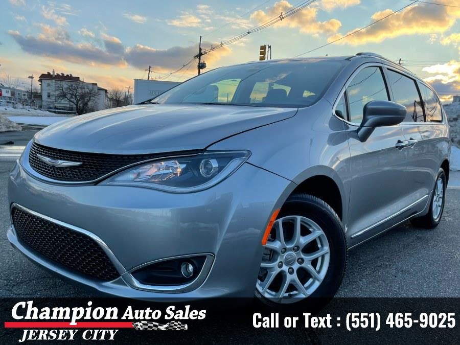 Used Chrysler Pacifica Touring L FWD 2020 | Champion Auto Sales of JC. Jersey City, New Jersey