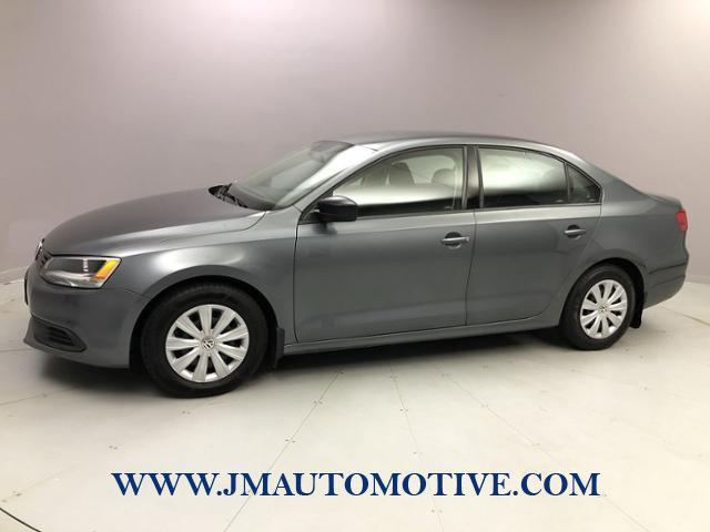 Used Volkswagen Jetta 4dr Auto S 2014 | J&M Automotive Sls&Svc LLC. Naugatuck, Connecticut