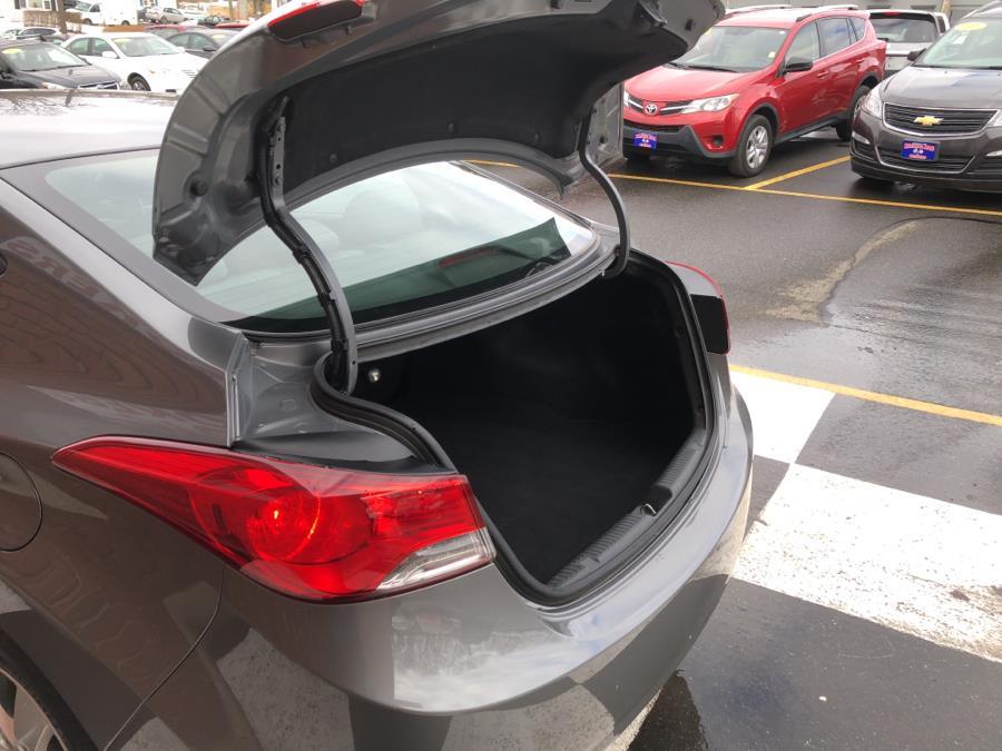 Used Hyundai Elantra 4dr Sdn Auto GLS 2013 | National Auto Brokers, Inc.. Waterbury, Connecticut